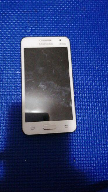Samsung galaxy DUOS 2 dobar telefon Ima Poklopac da prekrije bateriju