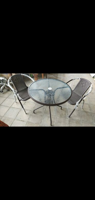 Masa oturacaq dest 230m,ferqli modelleri var,oturacaq ve masanin