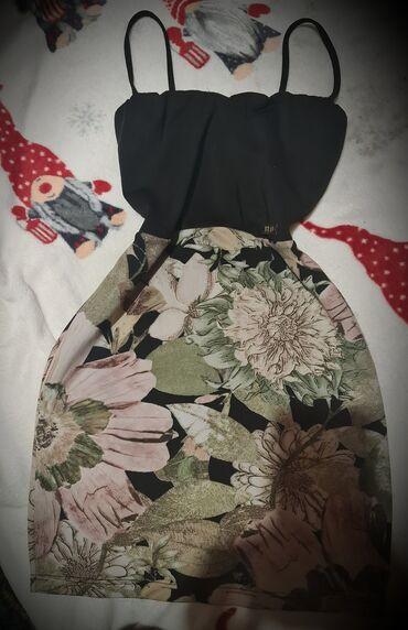 350 oglasa: Haljina nosena par puta u vel s. Bas lepo stoji i materijal je idealan