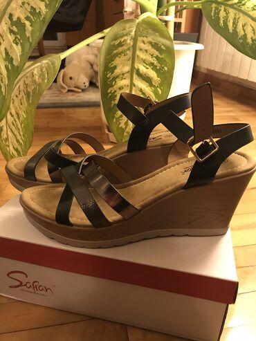 Safran crne sandale veličina 41 visina potpetice 8cm