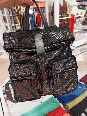 купить пластиковый шифер в бишкеке в Кыргызстан: Продаю трансформер Сумка- рюкзак! Кожа! Покупали в Турции. Состояние