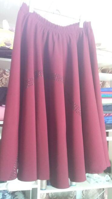 Женская одежда - Джал: Новая. Юбка (костюмная ткань)цветет бордовый. Размер 44. За 350