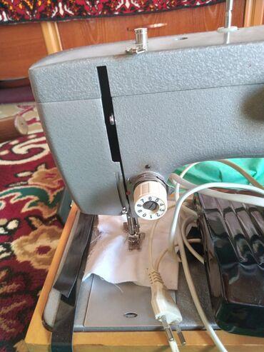 ГДжалалабад продаётся швейная машина,Чайка 142м,,сост новая идеально