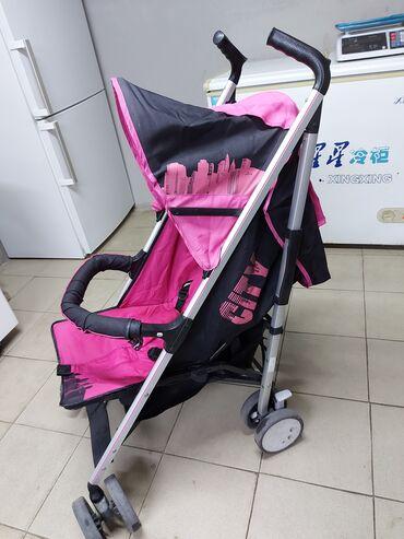 Продаётся детская коляска в хорошем состоянии, есть чехол для ног