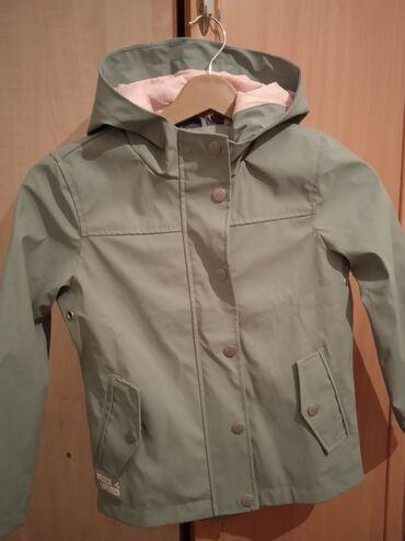 детская осенняя одежда в Кыргызстан: Детская курткаБренд: aliveРазмер: на рост 122 смВозраст: примерно на