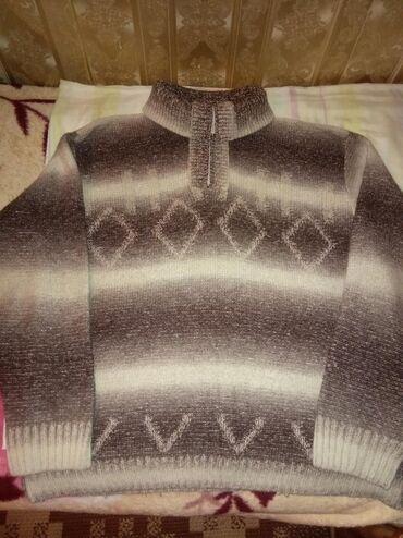 Мужской теплый свитер,недорого,шея закрыта