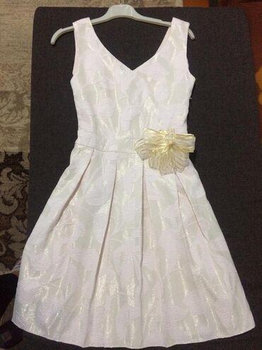 + Платье нежно -бежевогопочти белое 46 размер,сшито на заказ м