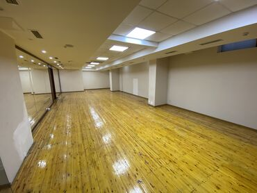 менеджер по недвижимости в Кыргызстан: Сдается помещение под спортивный зал есть душевые кабинки и с/у,  107