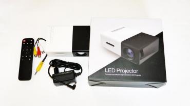 проектор-домашний-кинотеатр в Кыргызстан: Мини проектор YG 300Данный гаджет имеет все необходимые порты для