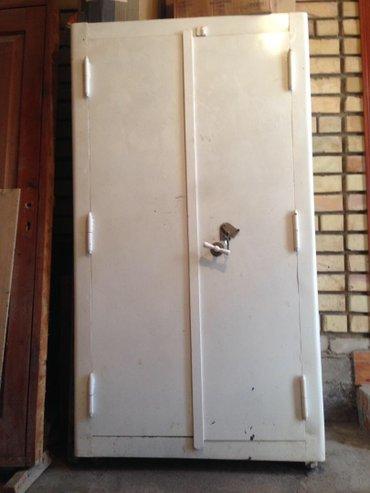 Продается металлический сейф (шкаф) в Лебединовка