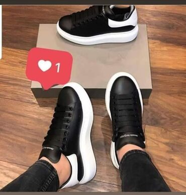 Ženska patike i atletske cipele | Kragujevac: Crne Alexander Mcqueen patike su omiljene ovih dana🥰Ponovo na stanju