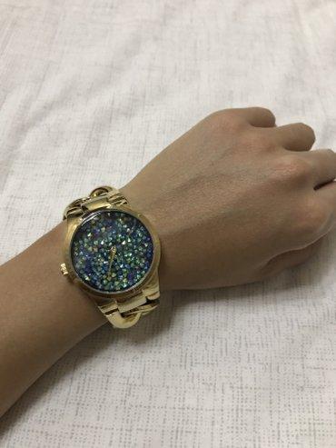 Продаю очень красивые часы) в Бишкек