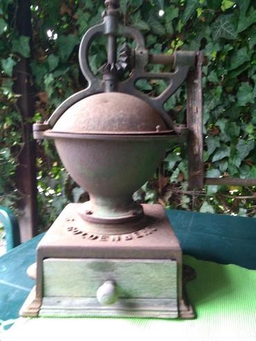 Mlin za mlevenje kafe ANTIKVITET sredina 19 veka - Kragujevac
