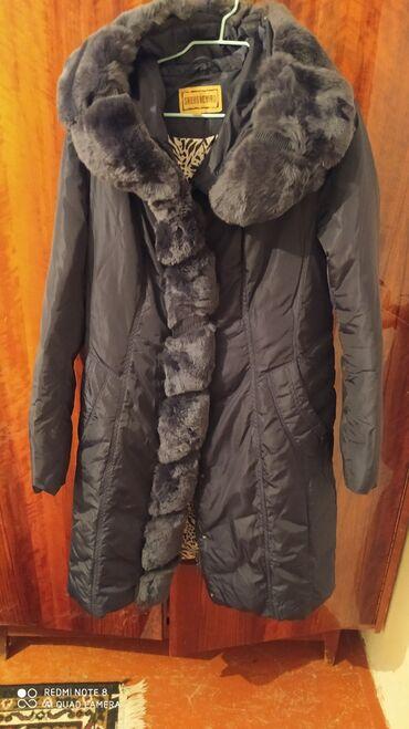 Куртка сатылат кышкы. 52-размер . Абалы жакшы. Сапаты жогору. Былтыр