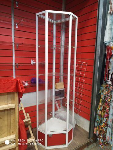 Оборудование для бизнеса в Лебединовка: Продаю стеклянную витрину