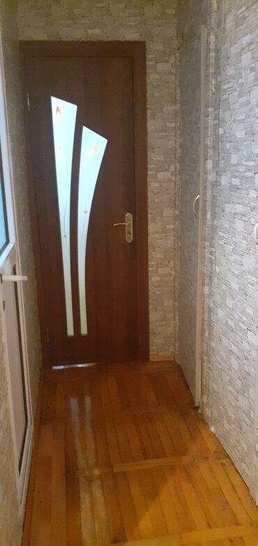 мелкий ремонт мебели в Азербайджан: Продается квартира: 2 комнаты, 49 кв. м