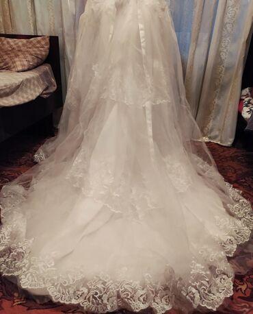 Продается свадебное платье, ни разу не одевалось, 42-44 размер