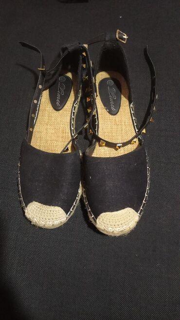 Ženska obuća | Lazarevac: Zenske ravne sandalice,nosene par puta. Bez ikakvih ostecenja