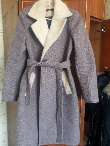 веб камеры бишкек купить в Кыргызстан: Пальто бу.Фиолетово-розовый(на камере так получилось)срочно