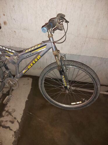 Спорт и хобби - Маевка: Продаю велосипеды 6.000 другой 4.000