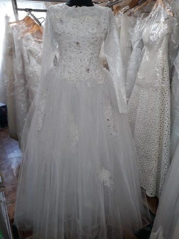 Свадебное платье. Прокат 5500с. Размер 42-44. полностью закрыто. в Бишкек