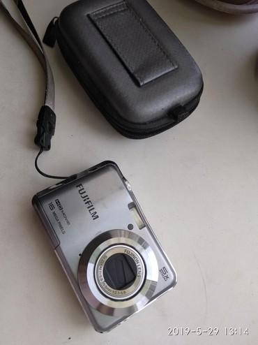Фото и видеокамеры - Кок-Ой: Цифровой фотоаппарат fujifilm (5x zoom, 16 mega pixels) + з/у для