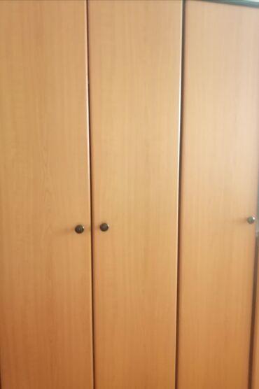 Kuća i bašta | Crvenka: Garderobni orman, dvokrilan i trokrilan, trpezarijski sto i sto za