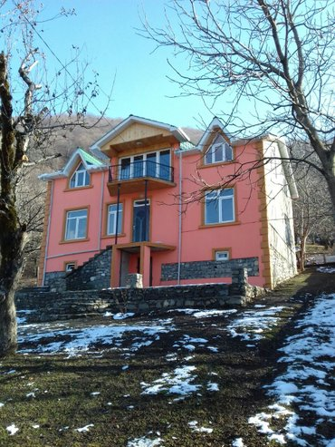 Qəbələ şəhərində Qebelede kiraye villa