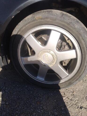 диски мерседес 17 в Кыргызстан: Продаю оригинальные диски с резинами на Ауди мерс размер 17