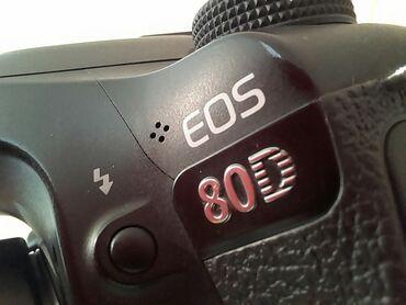Фото и видеокамеры - Базар-Коргон: Canon 80DСостояние 9/10+Объектив 18-135+2 батарейками+Флэшка 64