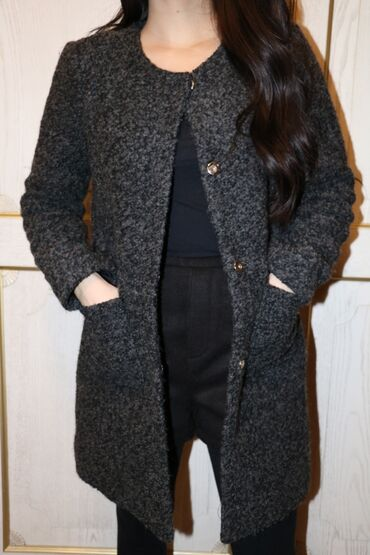 женское пальто в Кыргызстан: Женское пальто 46 размер, осень-весна, торг возможен