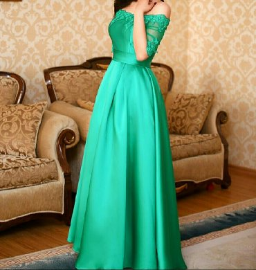 sambovka green hill в Кыргызстан: Продаю вечернее изумрудное платье, в идеальном состоянии, сзади шнуров