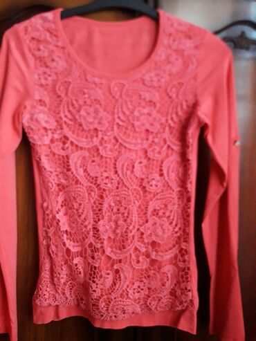 Bluza  Vise modela i boje   Velicina L/XL