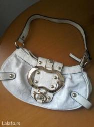 Bez-torbica - Srbija: Guess torbica bez ostecenja bela. Odlicna kopija za leto top