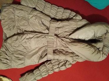 Duga zenska jakna - Srbija: Pretopla duga, do kolena zenska jakna. U perfektnom stanju