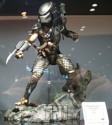 Statue Jungle Predator Movie Gallery Diorama  Visina 25 cm