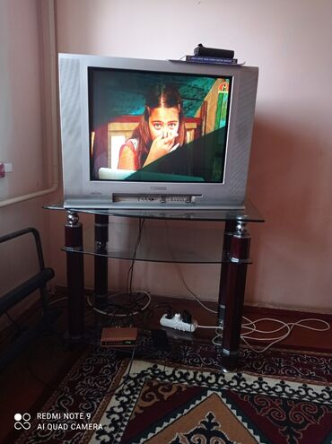 Жалал абад сойкулар - Кыргызстан: Подставка с телевизором