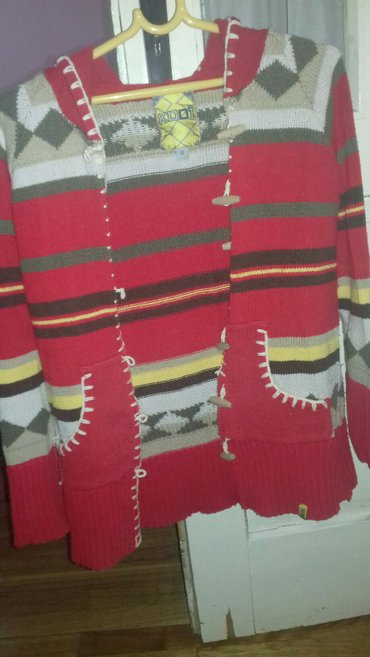 Ženski džemper očuvan velicina M - Backa Palanka