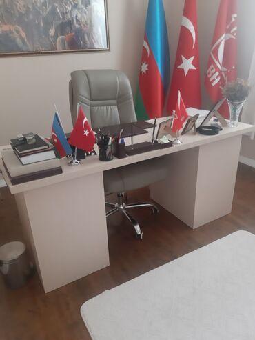 Ofis stolu və kreslosu satılır.2 ədəd siyirməli dolabı da var