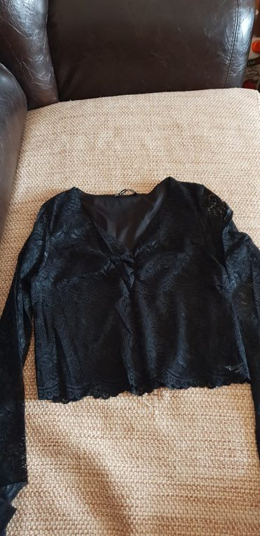 Nova crna bluzica,sa providnim cipkanim rukavima u M velicini - Smederevo