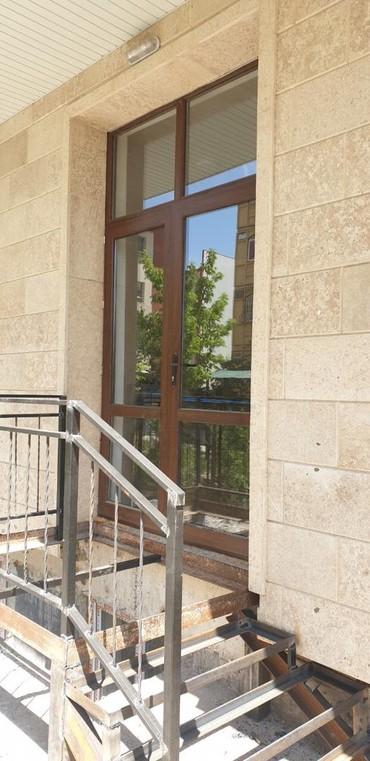 аренда офиса с отдельным входом в Кыргызстан: Продаю или сдаю помешение 1/9 этаж 104 кв м., м-н средний Джал