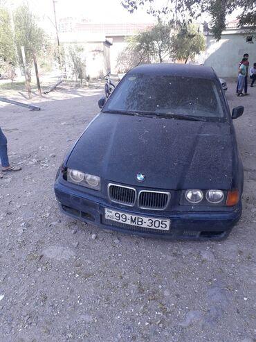BMW 318 in Azərbaycan: BMW 318 1.8 l. 1993   189955 km