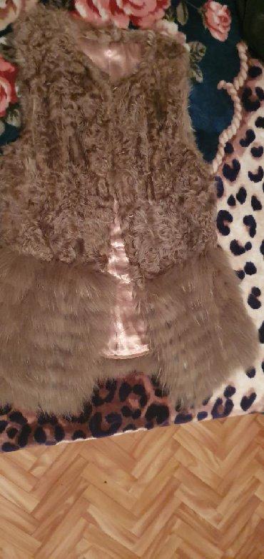 жилет лиса в Кыргызстан: Продаю жилет натуральный мех (овчина и лиса)