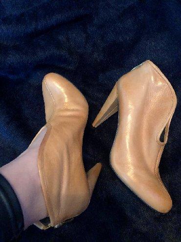 туфли одеты один раз в Кыргызстан: Батильёны натуральная кожа. Одеты один раз. Брали 300$ отдам за 5000