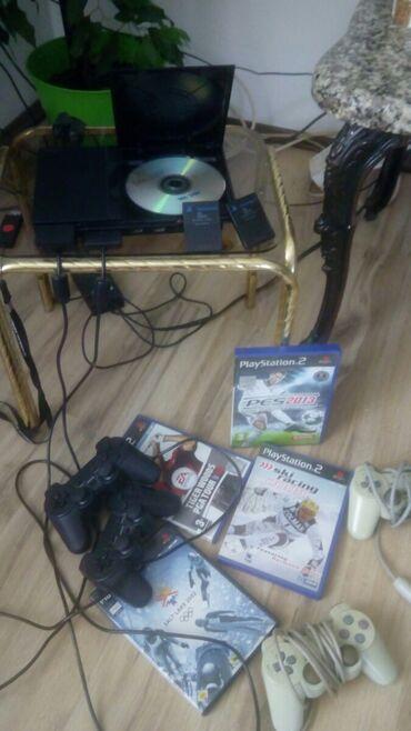 Sony 2 - Srbija: Ps2 konzola na prodaju sa svim ugodjajima tu su 4 ispravna džojstika
