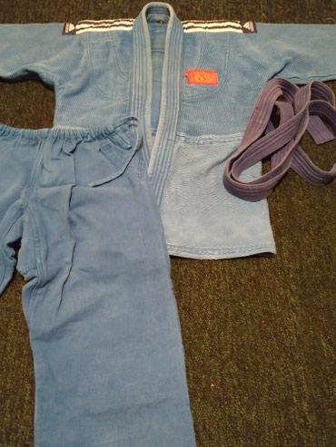 Продаю два кимоно белое и синие. в Бишкек