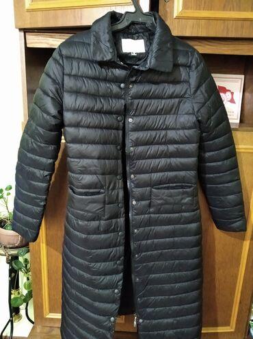 жен пальто в Кыргызстан: Куртка пальто жен.молодежн. 44-46 размера черн. Почти новые в