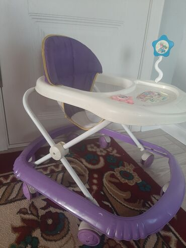 Детский мир - Ала-Тоо: Продаю ходунок б/у.Состояние хорошее. Пользовались 3 месяца