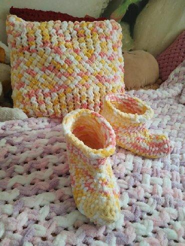 Вязанные тапочки для дома, шарф- снуд, сапожки, подушки, пледы, шапки