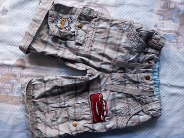 Dečija odeća i obuća - Obrenovac: Disney bermude 104-110Predivne disney munja mc queen bermude,nosene